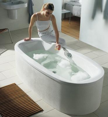 чем мыть чугунную ванну