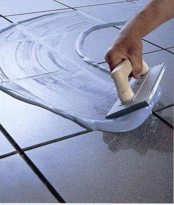 укладка напольной плитки в ванной3